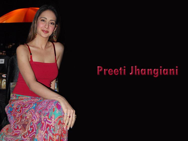 Preeti Jhangiani Latest Hot Wallpaper