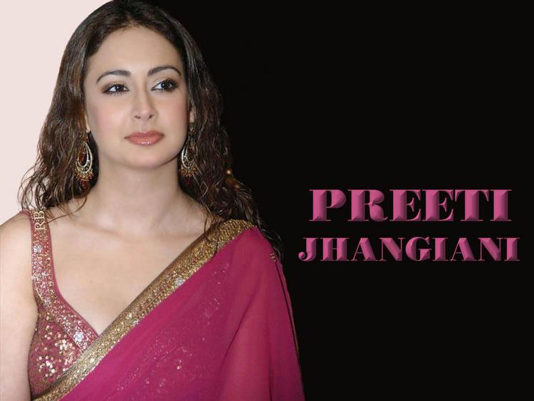 Stunning Preeti Jhangiani Wallpaper