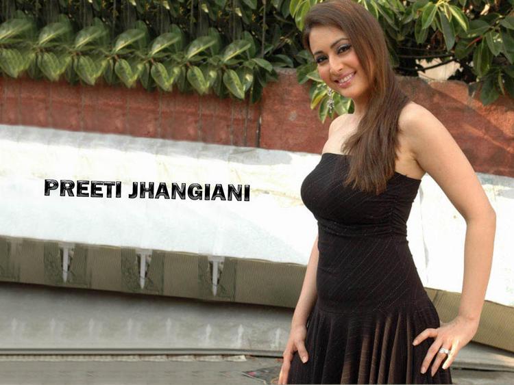 Preeti Jhangiani Latest Hot Still