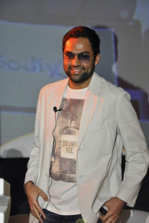 Abhay Deol with cute smile pics