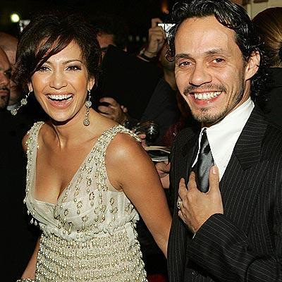 Jennifer Lopez and Hubby Marc Anthony Smilling Photo