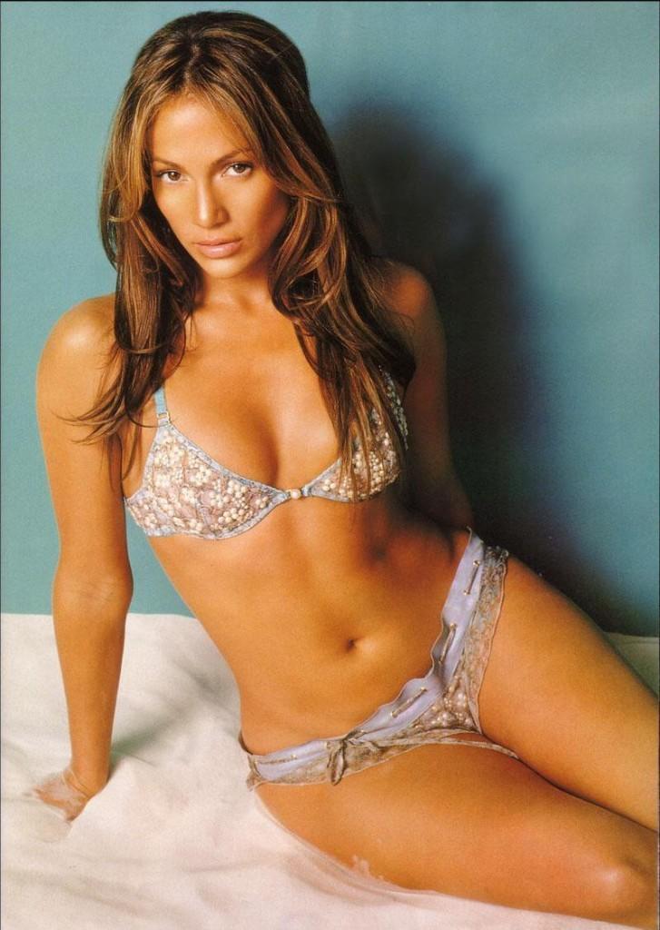 Jennifer Lopez Spicy Navel Show In Wet Bikini