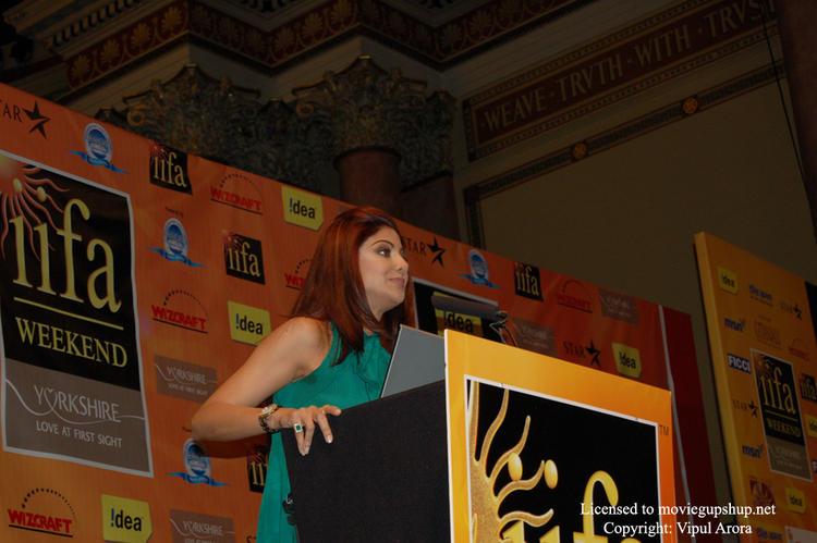 Shilpa Shetty supporting Global Cool
