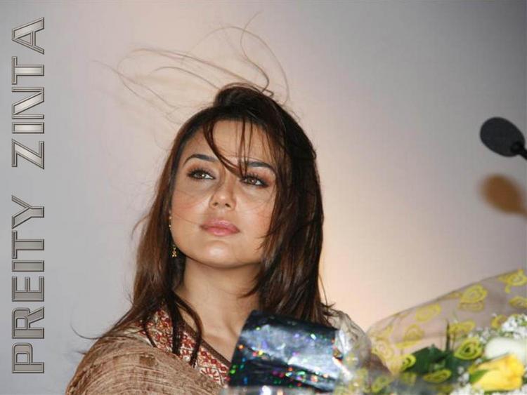 Bolly Beauty Preity Zinta Wallpaper