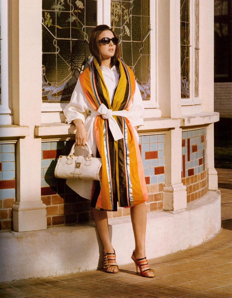 Preity Zinta Hot Stylist Look Wallpaper
