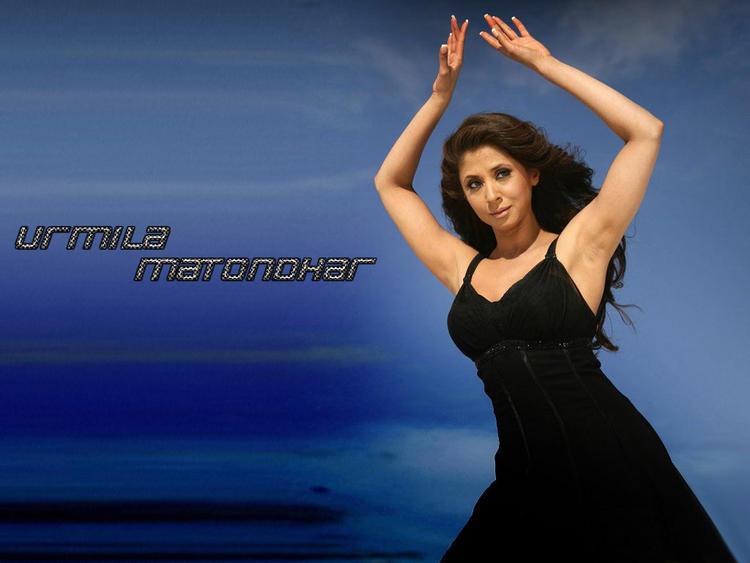 Urmila Matondkar Black Dress Glorious Hot Wallpaper