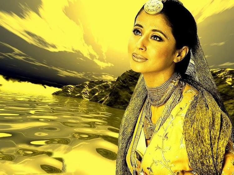 Urmila Matondkar Indian Look Gorgeous Wallpaper