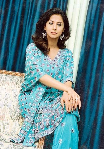 Urmila Matondkar Beautiful Nice Look Wallpaper