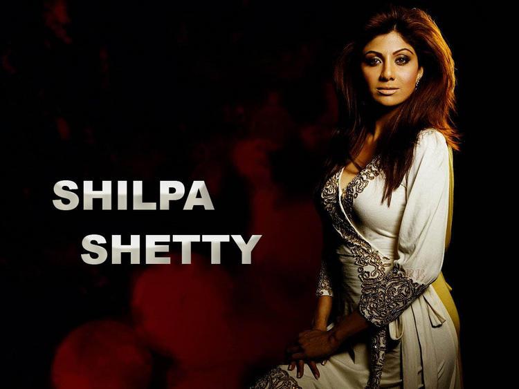 Shilpa Shetty sexy look wallpaper