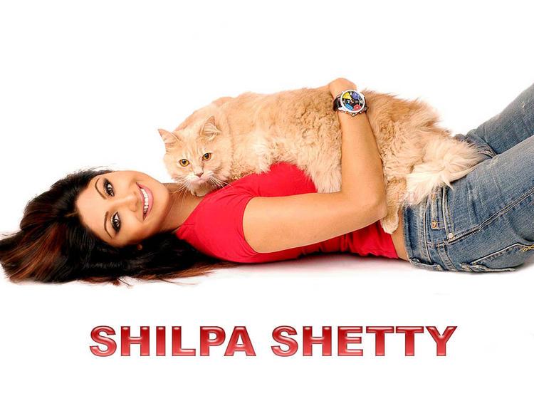 Spicy Shilpa Shetty pics