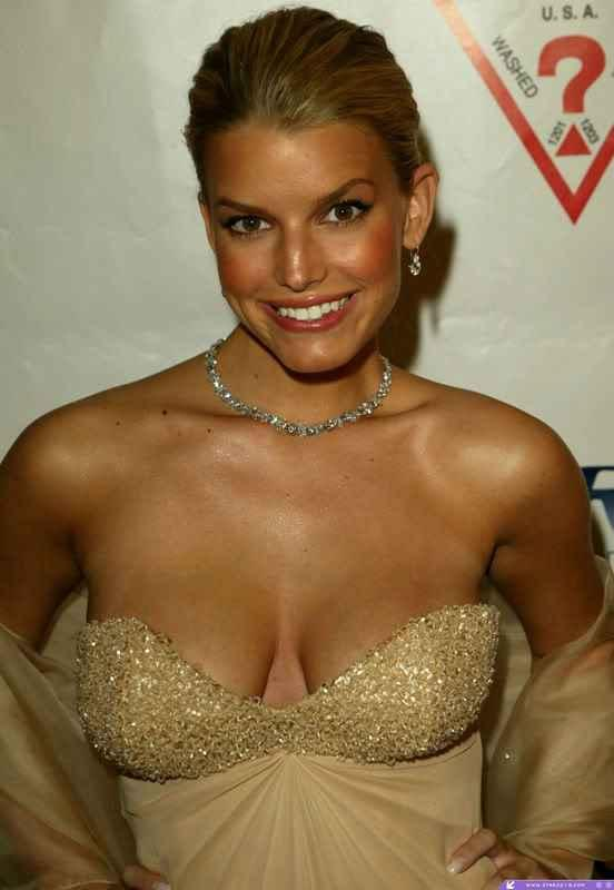 Jessica Simpson Open Boob Sexy Photo