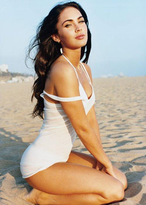 Stunning Megan Fox Beach Wallpaper