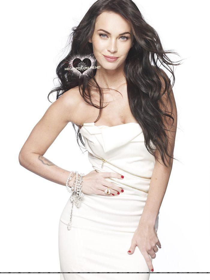 Megan Fox Elle Magazine Sleeveless Dress Wallpaper