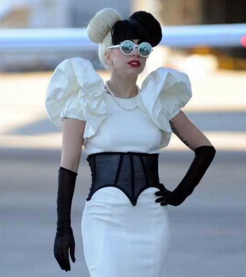 Lady Gaga Cute Amazing Dress Pic
