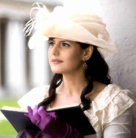 Zarine Khan Awesome Beauty Still