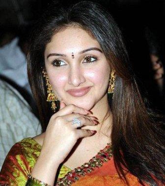 Sridevi Vijayakumar Beautiful Sizzling Face Look