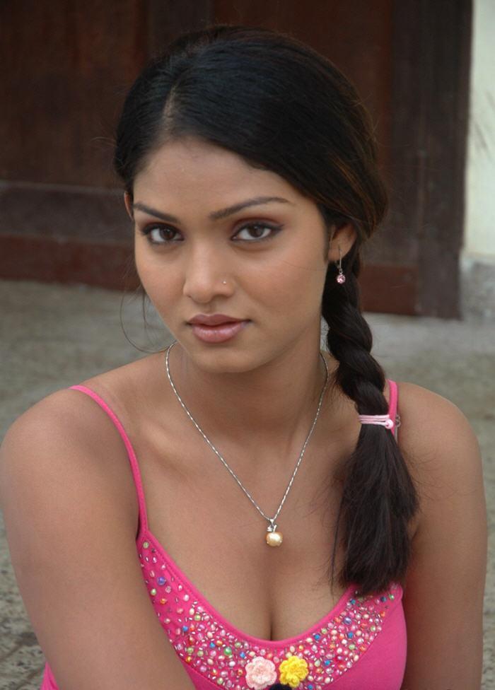 Deepa Chari Nice Face Look