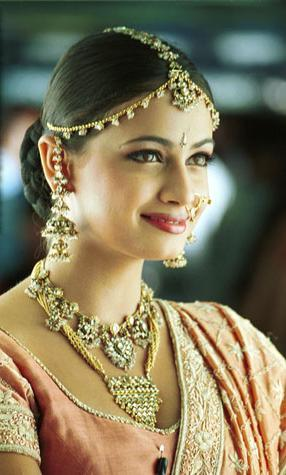 Diya Mirza Indian Bridal Look Wallpaper