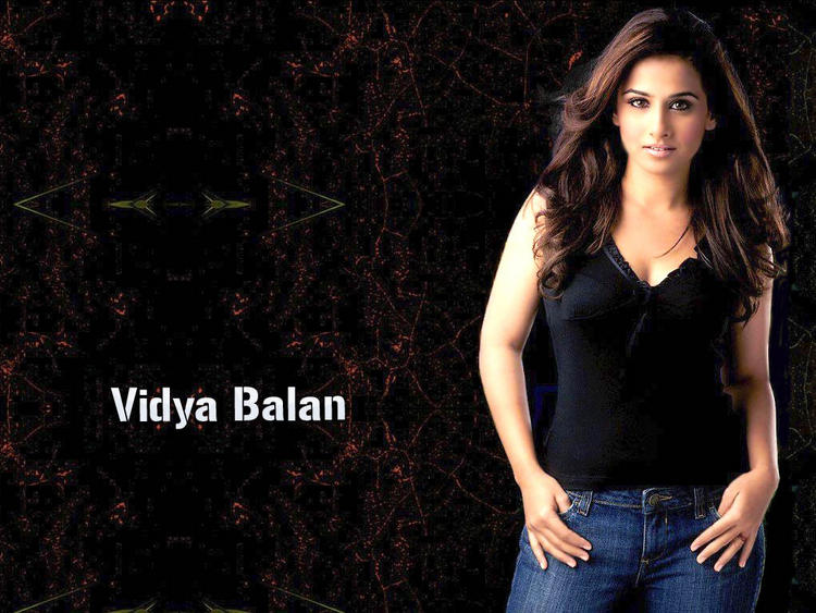 Vidya Balan Latest Sexiest Wallpaper