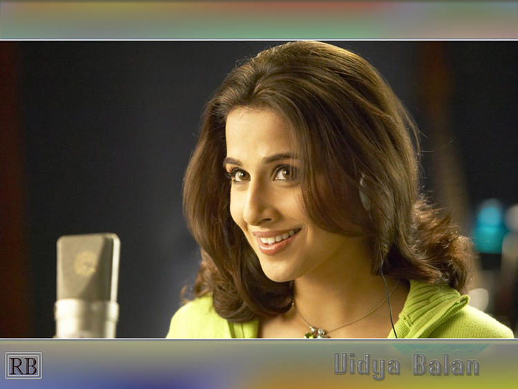 Vidya Balan Best Look Wallpaper