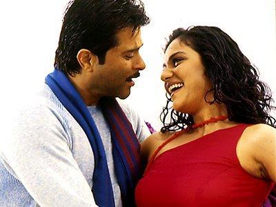Anil Kapoor and Gracy Singh Romantic pics