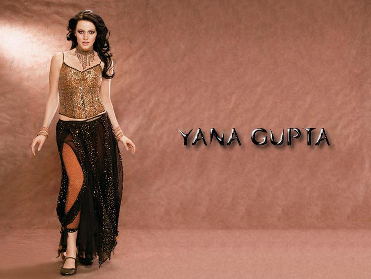 Yana Gupta Spicy Figure Show Wallpaper
