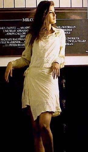 Sonali Bendre Mini Dress Wallpaper
