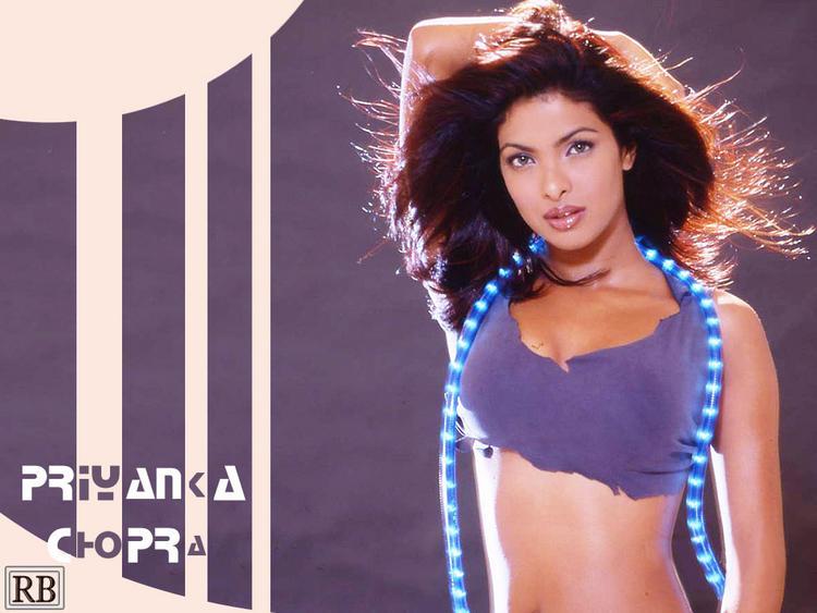 Bollywood Beauty Queen Priyanka Chopra Wallpaper