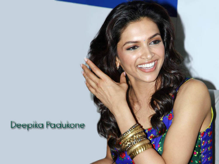 Deepika Padukone Gorgeous Smile Pic