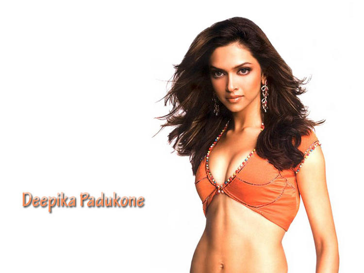 Deepika Padukone Open Boob Show Wallpaper