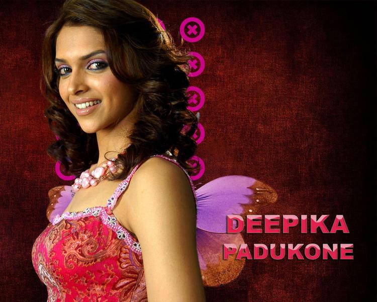 Glam Girl Deepika Padukone Wallpaper
