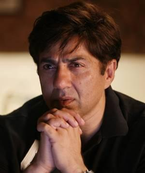 Sunny Deol hot face look