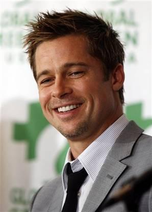 Hollywood Actor Brad Pitt Sexy Smile Pic
