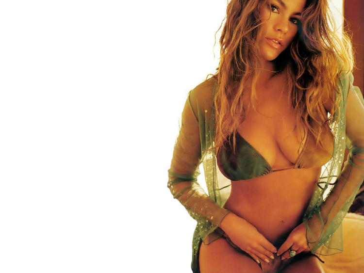 Sofia Vergara Open Boob Show Wallpaper