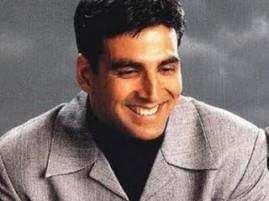 Bollywood Heartthrob Akshay Kumar Sweet Smile Pic