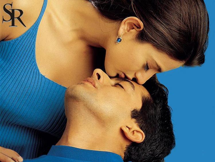 Aftab Shivdasani and Amisha Kissing Wallpaper