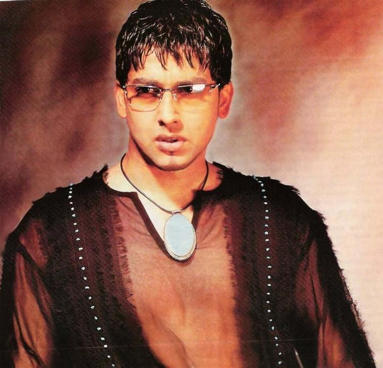Aftab Shivdasani Hot Look Wearing Goggles
