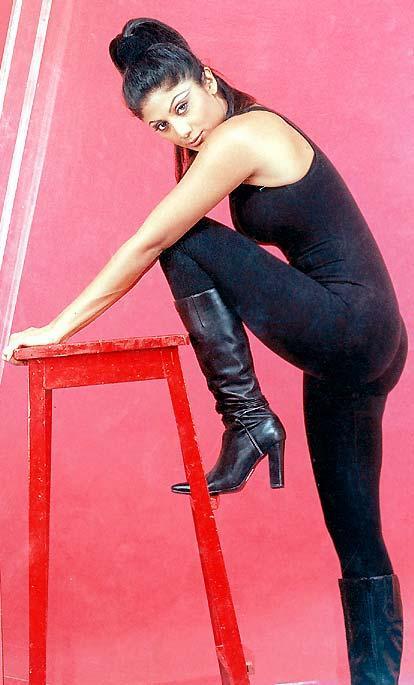Shilpa Shetty Hot Look Sexy Pose Wallpaper