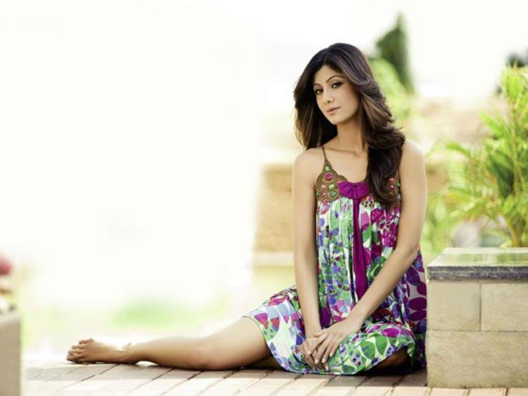 Shilpa Shetty Stunning Face Look Wallpaper