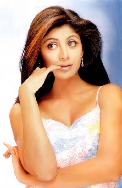 Shilpa Shetty Cute Hot Face Wallpaper