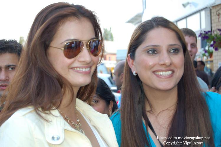 Diya Mirza Gorgeous Smile at IIFA