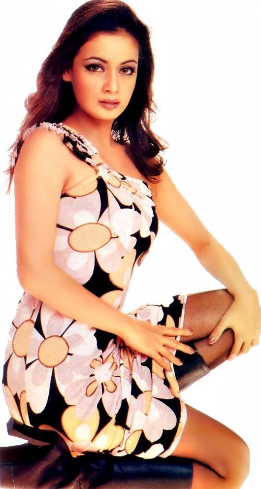 Diya Mirza Mini Dress Hottest Wallpaper