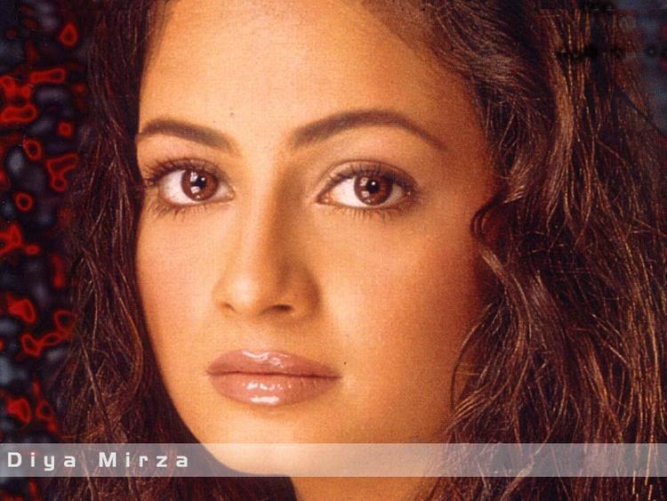 Bolly Beauty Diya Mirza Wallpaper