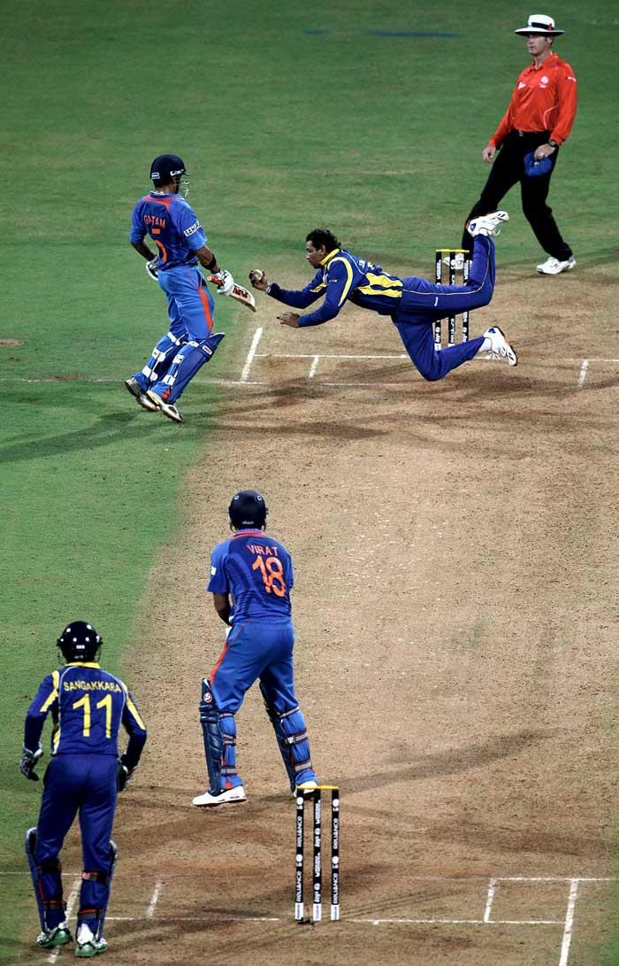 Tillakaratne Dilshan Take To Caught Virat Kohli