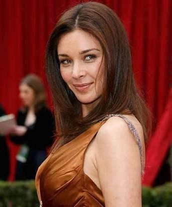 Lisa Ray Awesome Beauty Still