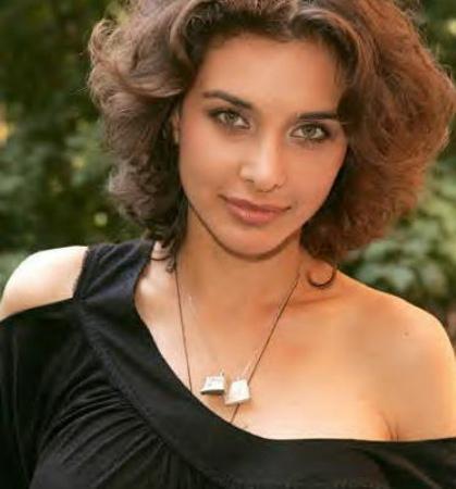 Lisa Ray Short Hair Beauty Still