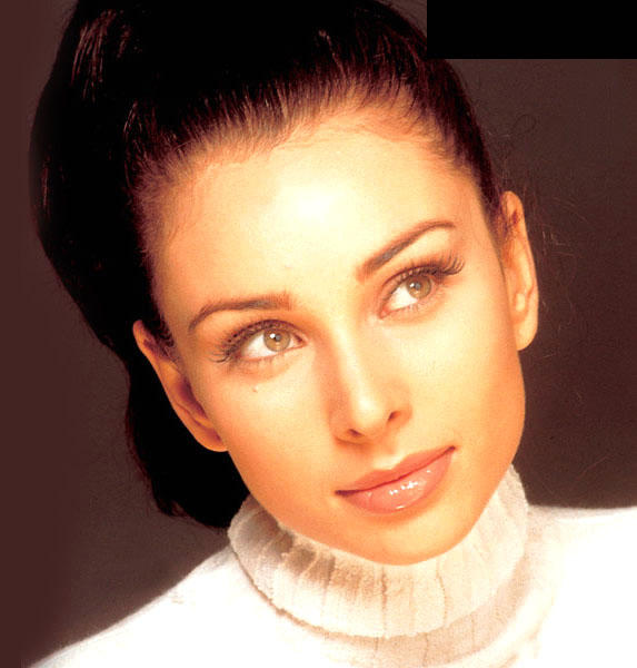 Lisa Ray Gorgeous Face Look