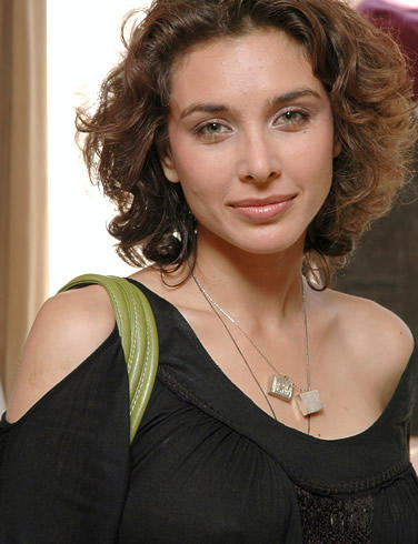 Lisa Ray Sizzling Hot Sexy Pic