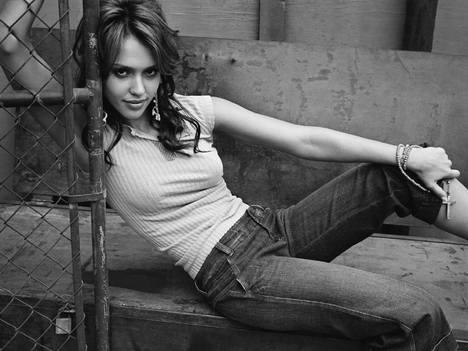 Jessica Alba Sexy Photoshoot With Tight Jeans