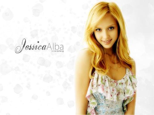 Jessica Alba Romantic Look